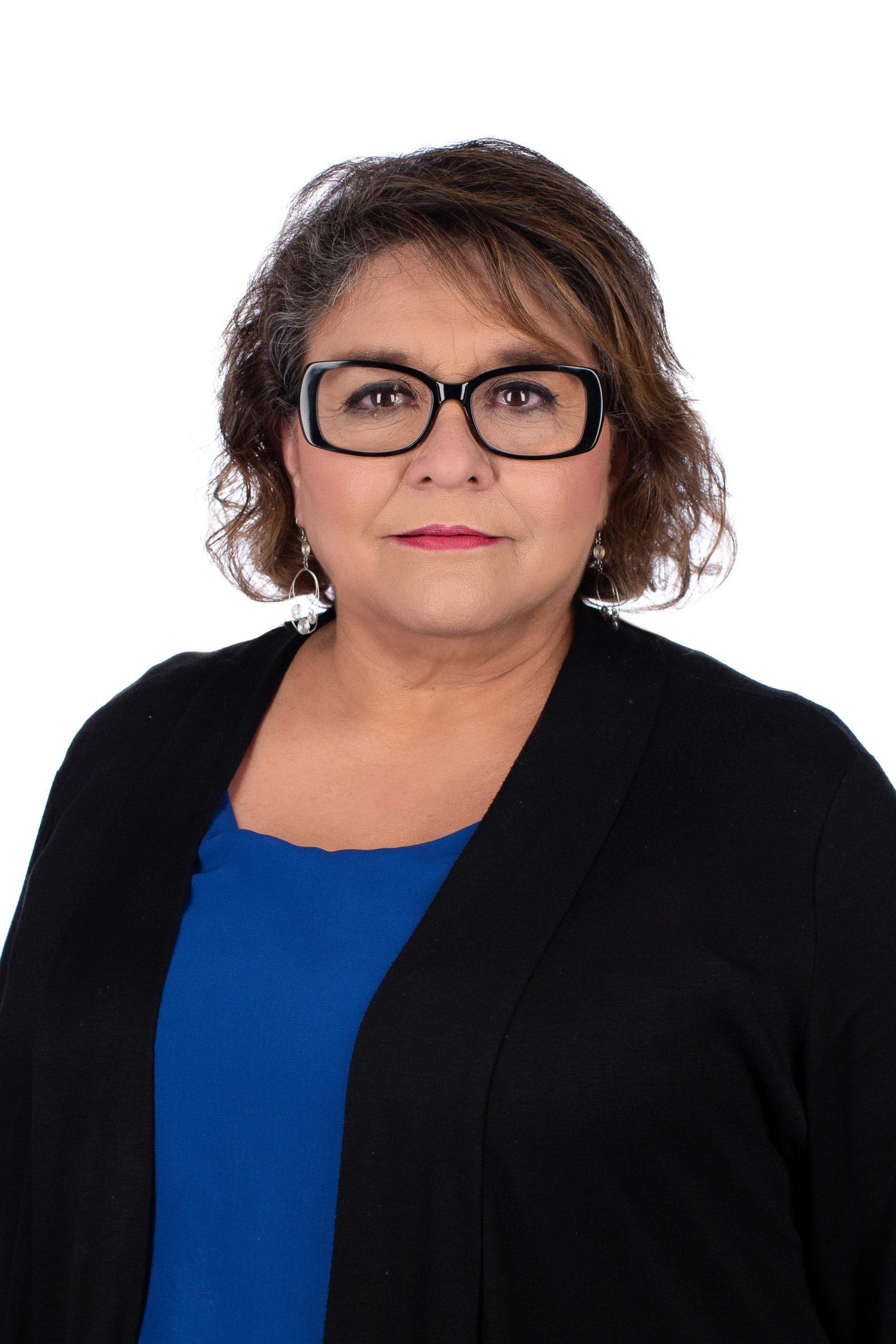 Elena Corrales